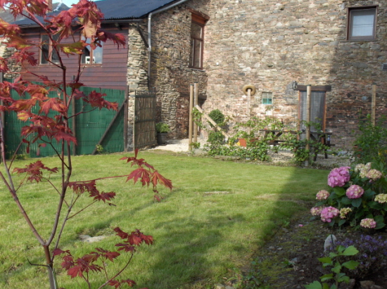 Vakantiehuis in fays les veneurs bouillon - Le jardin sauvage maintenay montpellier ...
